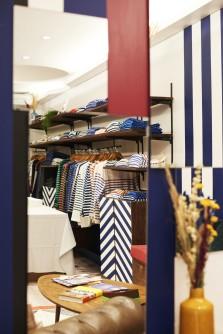 collection de marinières traditionnelles et modernes à la boutique le Minor Paris
